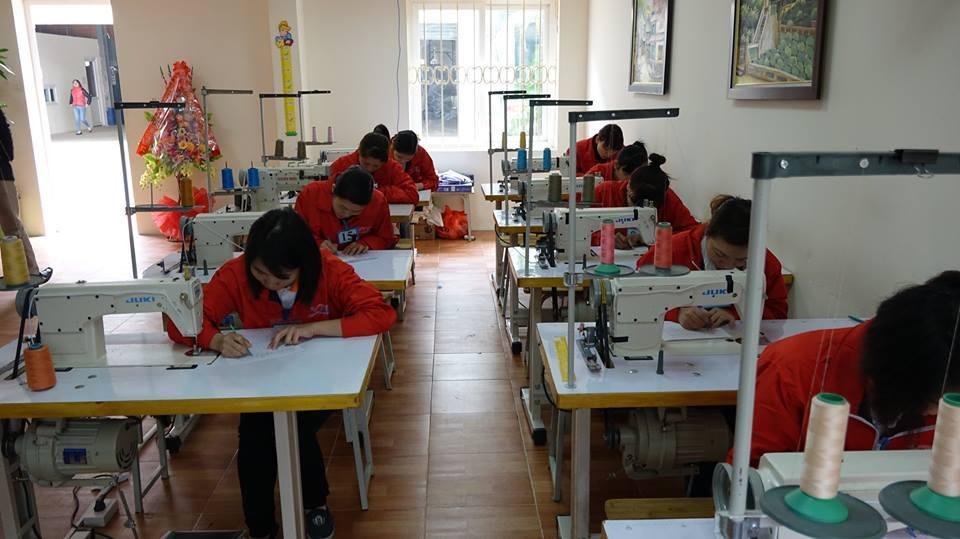 [NHẬT BẢN] Tuyển 15 nữ thợ may áo sơ mi ngày 20/07